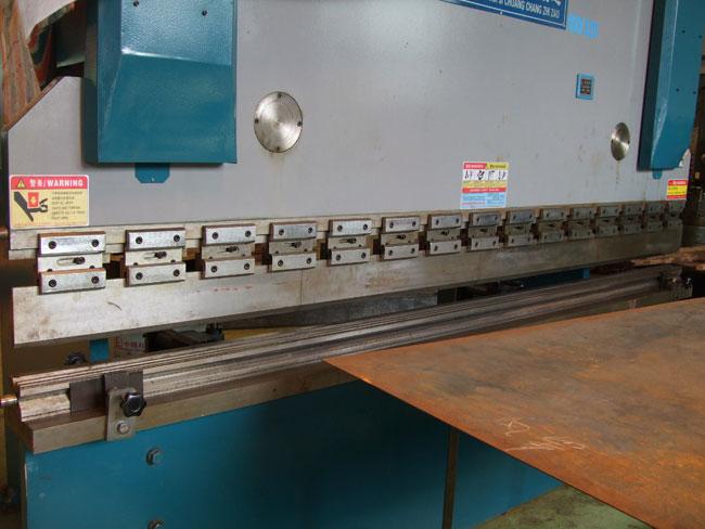 工程机械,空压机 设备配套的散热器 发电机水箱 铜制汽车水箱 铝制高清图片